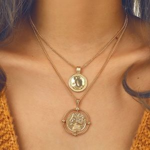 Jewelry - Trendy Gold Coin Double Layering Necklace NWT